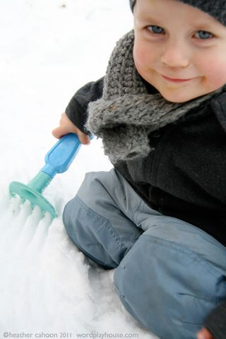 Boy-playing-in-snow