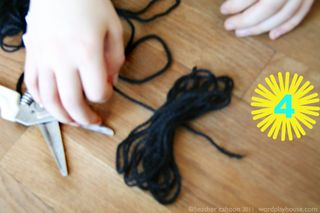 How-to-make-pom-poms-step-4