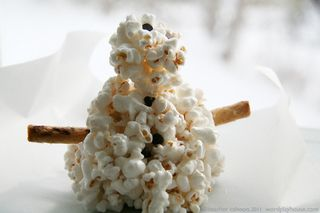 Snowman-popcorn-ball