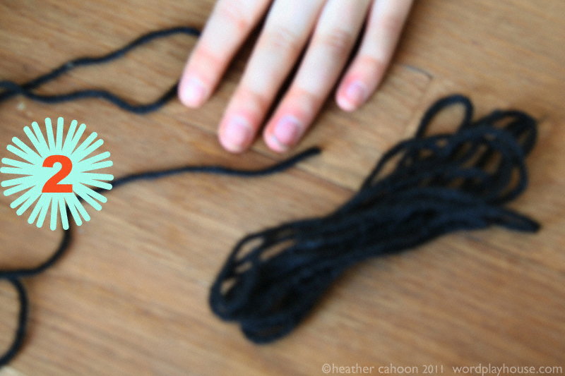 How-to-make-pom-poms-step-2