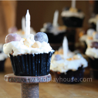 Camping party cupcakes