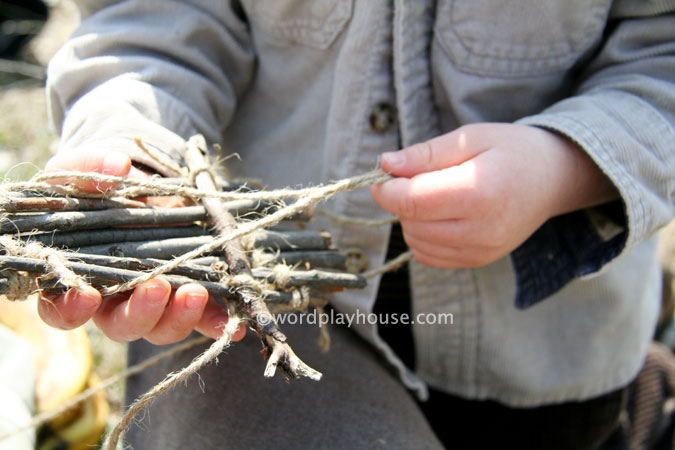 Nature-play-with-kids-outside-handmade-raft