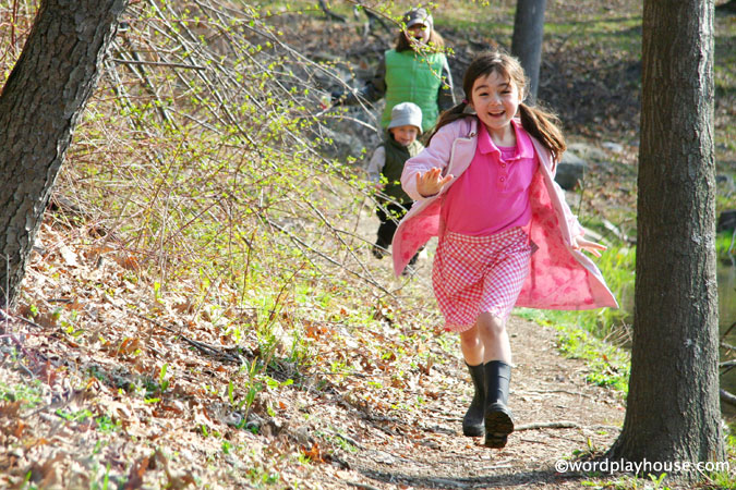 Outside-play-with-children-in-nature
